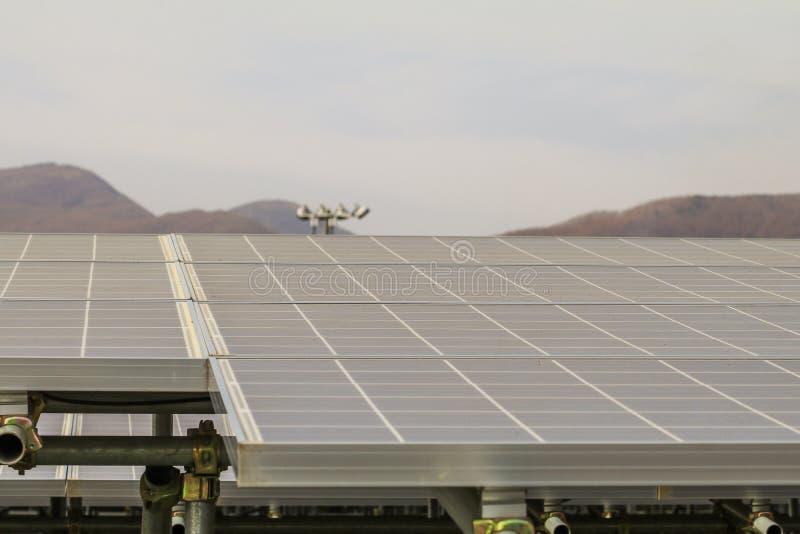 Sonnenkollektor, photo-voltaische Module für Innovation grünen Energie FO stockbild