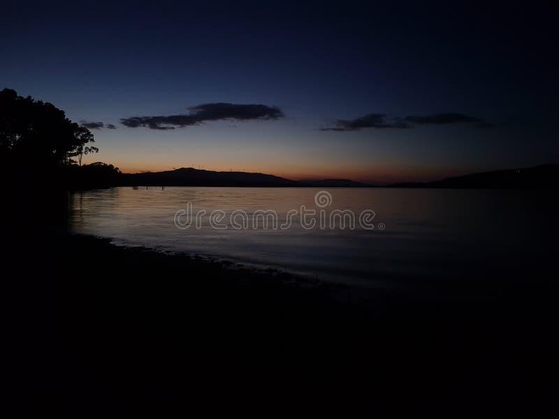 Sonnenschein über dem See stockfotografie