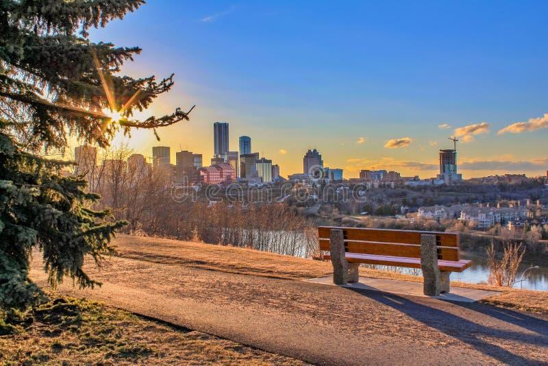 Sonnenschein über der Stadt stockfoto