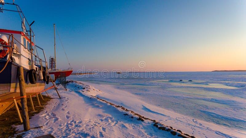 Sonnenschein im Hafen lizenzfreie stockfotos