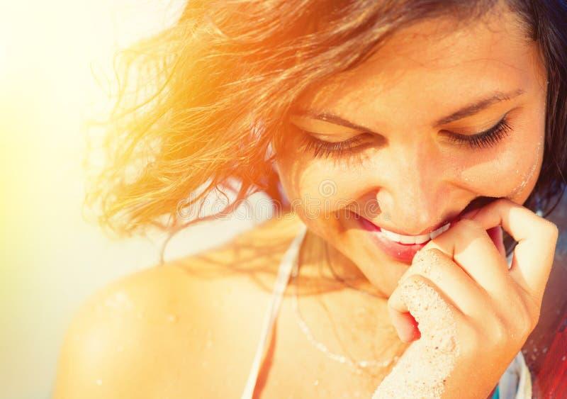 Sonnenschein-sexy Mädchen-Porträt stockfoto