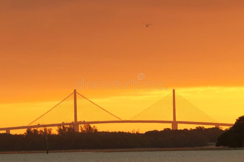 Sonnenschein Skyway Brücke lizenzfreies stockbild