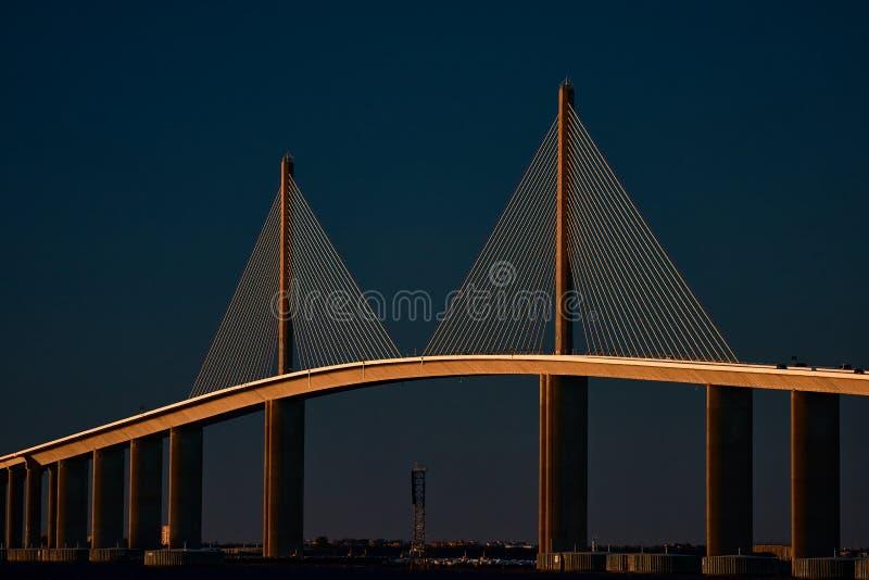Sonnenschein Skyway Brücke lizenzfreie stockfotos