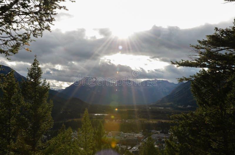 Sonnenschein, Wälder und kanadische Landschaften 6 stockbilder
