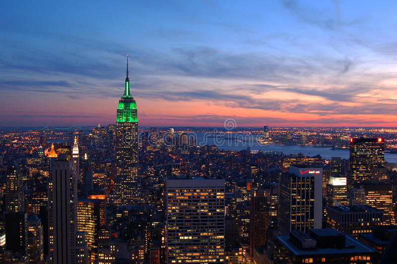 Sonnenuntergänge auf Manhattan lizenzfreies stockfoto