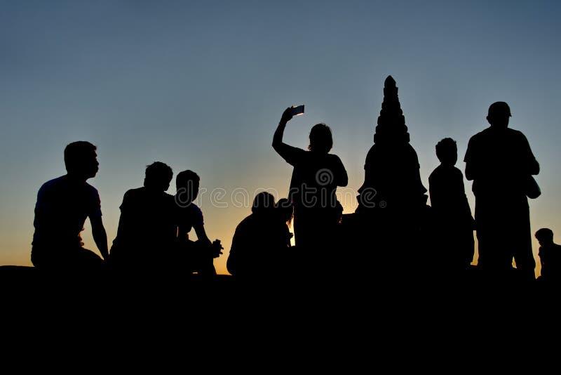 Sonnenuntergänge im Königreich von Bagan stockbilder