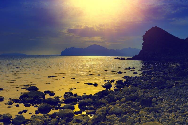 Sonnenuntergang über еру-Meer stockfotos