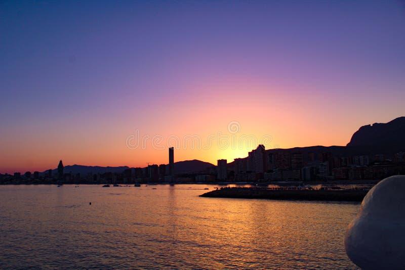 Sonnenuntergang über Benidorm stockfoto