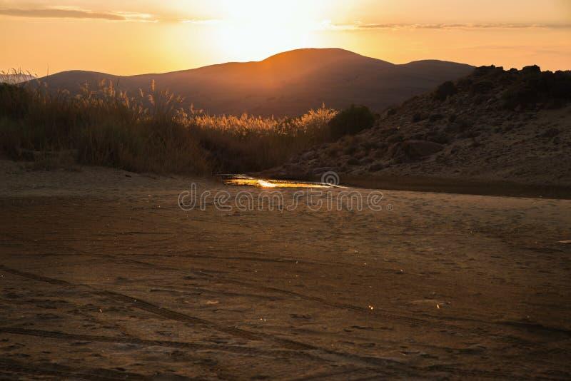 Sonnenuntergang über Berg und Nachtisch, Lemnos stockfoto