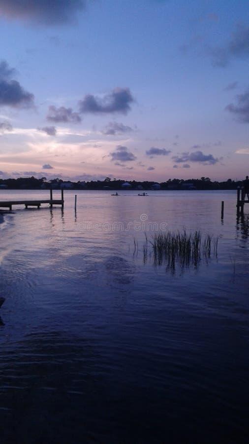 Sonnenuntergang über dem Golf lizenzfreie stockfotos