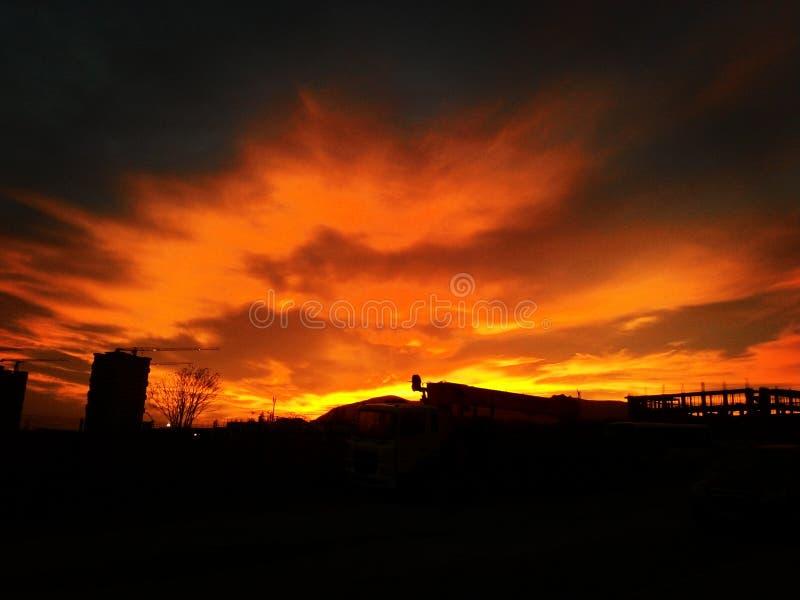 Sonnenuntergang über der Stadt stockfoto