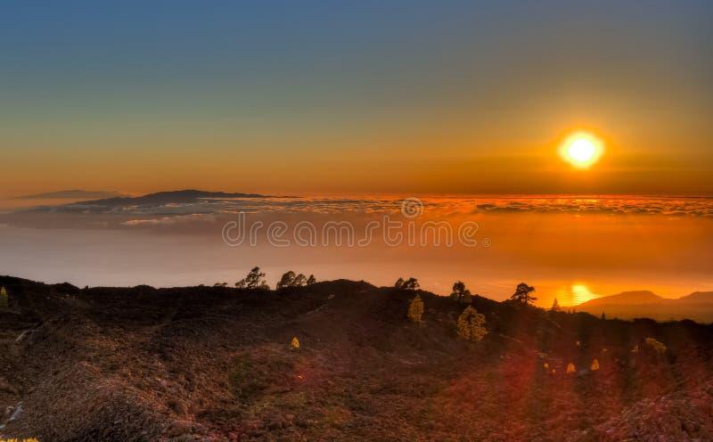 Sonnenuntergang über Kanarischen Inseln von Teide-Vulkan, Teneriffa, Spanien lizenzfreies stockfoto