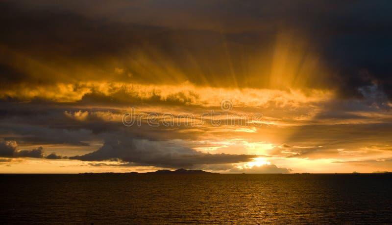 Sonnenuntergang über Malolo stockfoto
