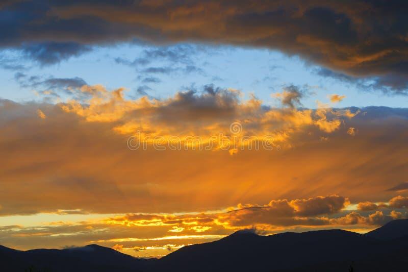 Sonnenuntergang über Mt. Mansfield, VT, USA stockbild