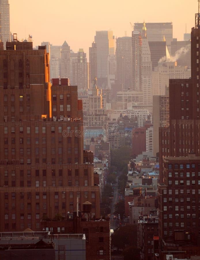 Sonnenuntergang über New York City lizenzfreies stockfoto