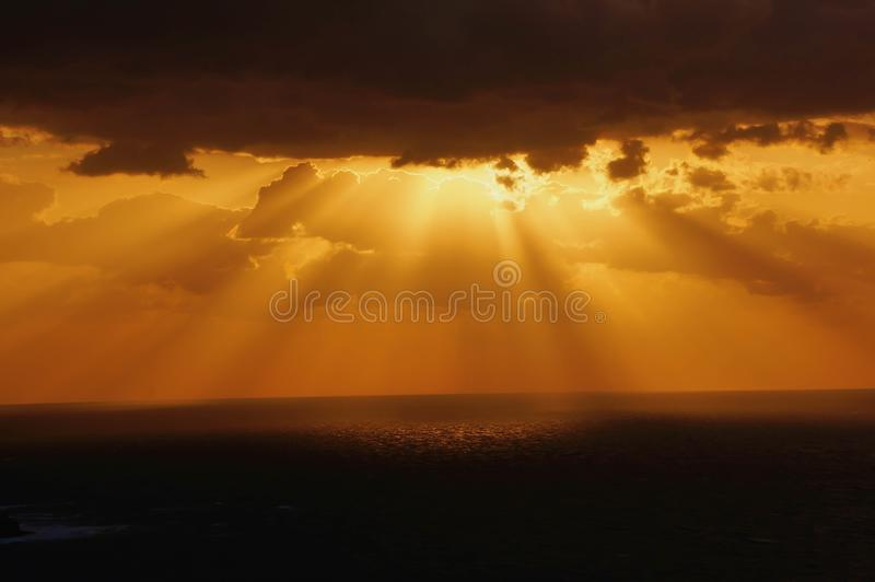 Sonnenuntergang über Oia lizenzfreies stockbild