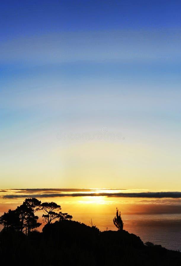 Download Sonnenuntergang stockfoto. Bild von meer, himmel, stadt - 13511632