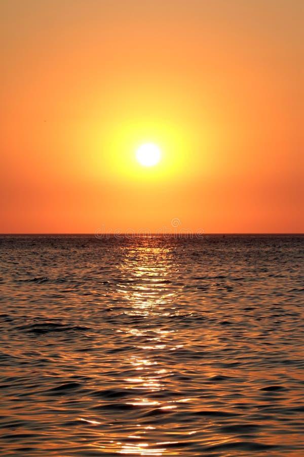 Download Sonnenuntergang stockbild. Bild von ufer, landschaft - 26362521