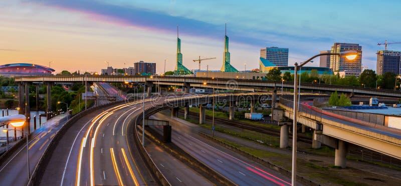 Sonnenuntergang-Ansicht über zwischenstaatliche 5 in Portland Oregon stockfoto