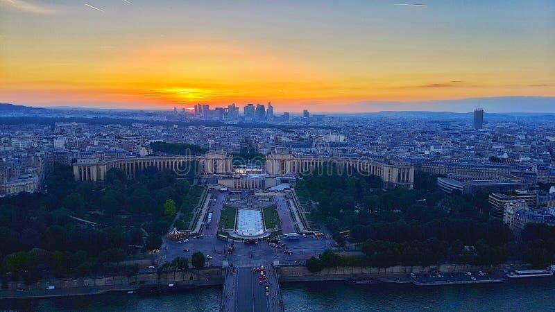 Sonnenuntergang - Ansicht von der Spitze des Eiffelturms stockfotografie