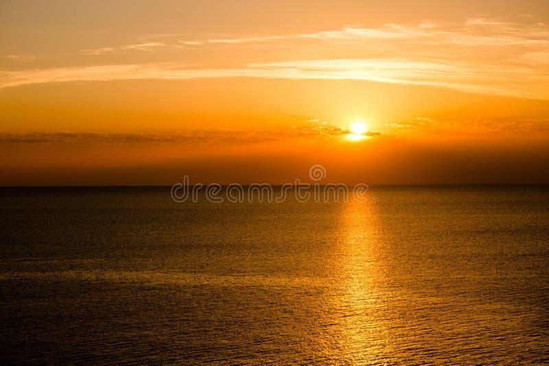 Sonnenuntergang - Ansicht von Faro Punta Nati stockfotos