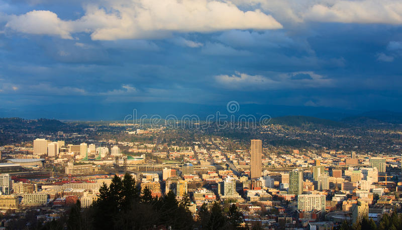 Sonnenuntergang-Ansicht von Portland Oregon stockfoto
