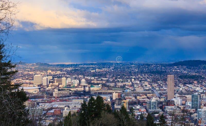 Sonnenuntergang-Ansicht von Portland Oregon stockfotografie