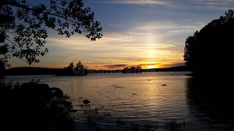 Sonnenuntergang auf Ambejesus See lizenzfreies stockbild