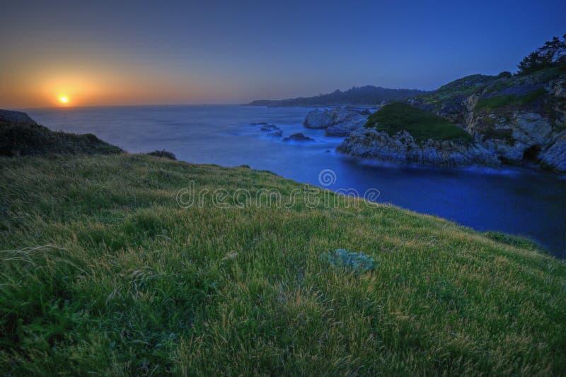 Sonnenuntergang auf China-Bucht, Punkt Lobos stockbild