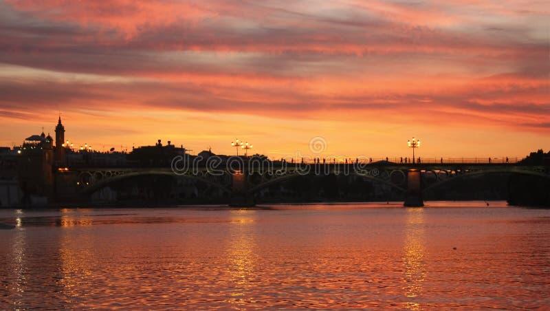 Sonnenuntergang auf dem Guadalquivir. lizenzfreies stockfoto