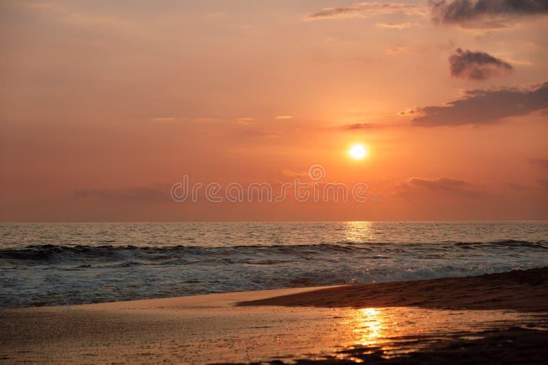 Sonnenuntergang auf dem Indischen Ozean stockfotografie