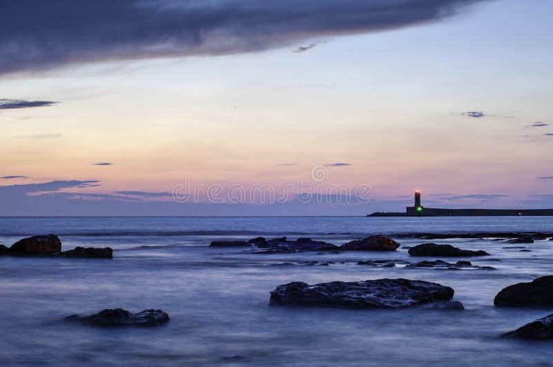 Sonnenuntergang auf dem Leuchtturm stockbilder