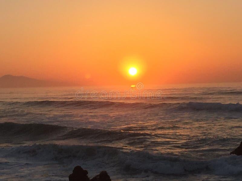 Sonnenuntergang auf dem Ozean lizenzfreies stockfoto