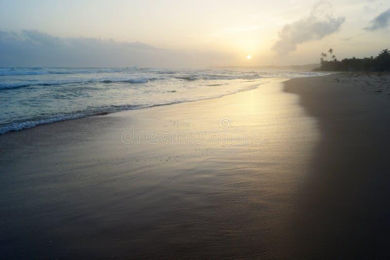 Sonnenuntergang auf dem Ozean stockfoto