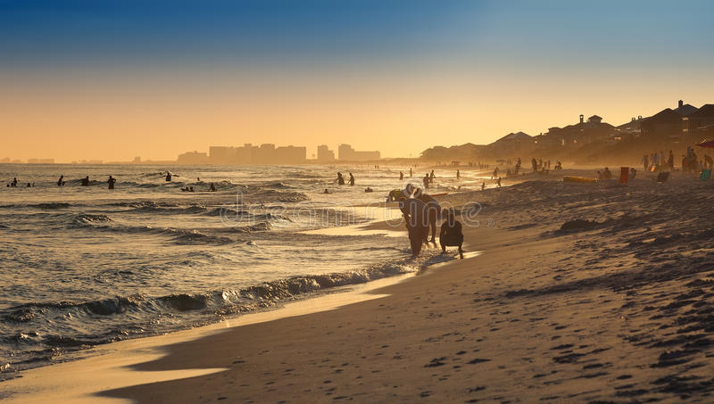 Sonnenuntergang auf Destin-Strand lizenzfreies stockbild