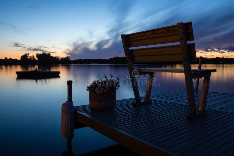 Sonnenuntergang auf einem Michigan See lizenzfreie stockfotografie
