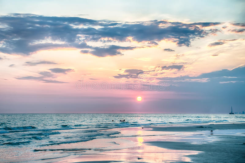 Sonnenuntergang auf Florida-Strand lizenzfreies stockfoto