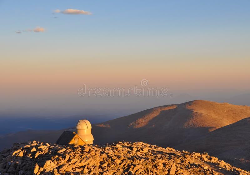 Sonnenuntergang auf Montierungs-Evans-Beobachtungsgremium lizenzfreies stockbild