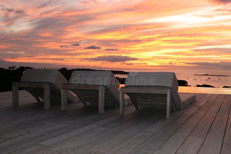 Sonnenuntergang auf Terrasse in Costa Rica lizenzfreie stockfotografie