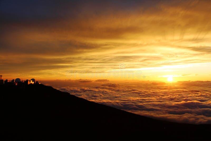 Sonnenuntergang auf Vulkan, Maui lizenzfreies stockfoto