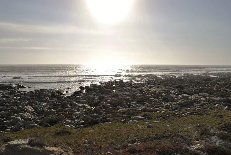 Sonnenuntergang auf Westcoast Südafrika lizenzfreie stockfotos