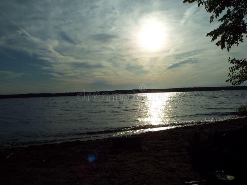 Sonnenuntergang beginnt Feuerwerks-Count-down lizenzfreies stockbild