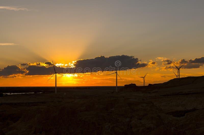 Sonnenuntergang bei Beitun in Xinjiang, China lizenzfreies stockbild