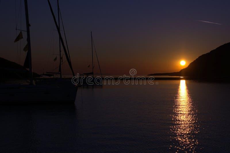 Sonnenuntergang bei Griechenland lizenzfreies stockbild