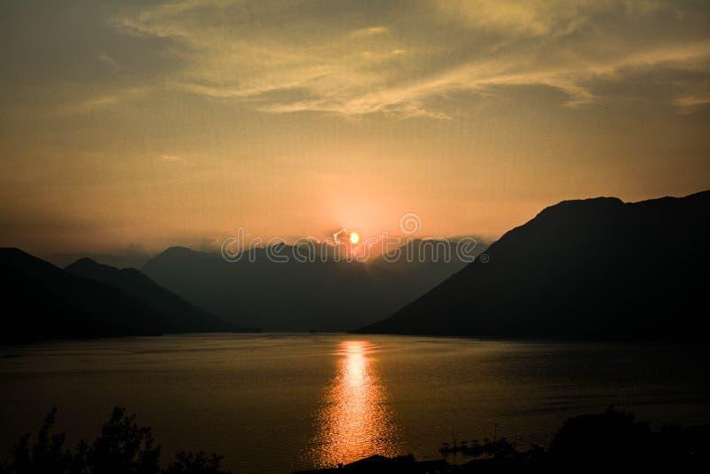 Sonnenuntergang bei Kotor stockbilder