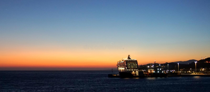 Sonnenuntergang bei Mykonos stockfotografie