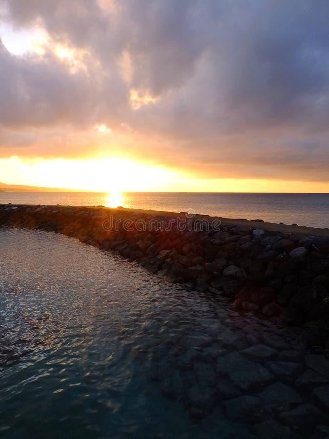 Sonnenuntergang bei Okinawa Cape Busena lizenzfreies stockfoto