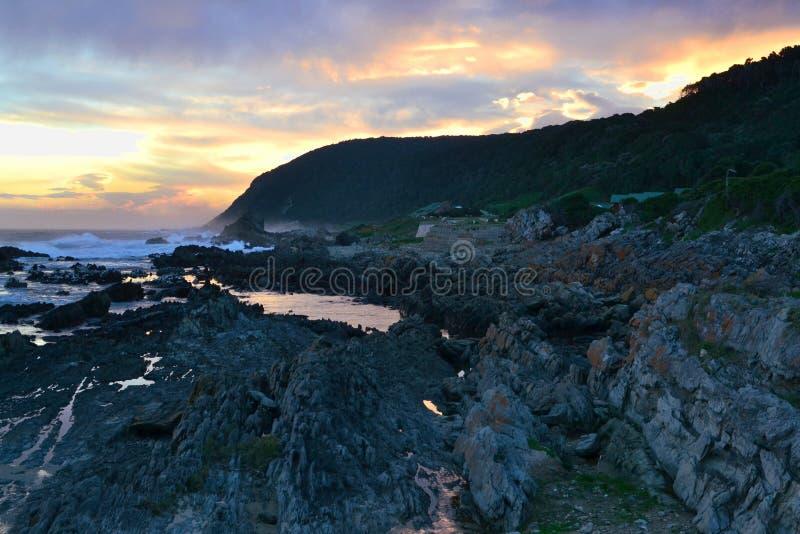 Sonnenuntergang bei Tsitsikamma lizenzfreie stockfotografie