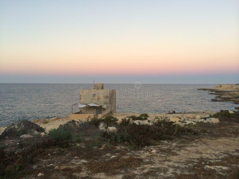 Sonnenuntergang bei Xghajra stockbild