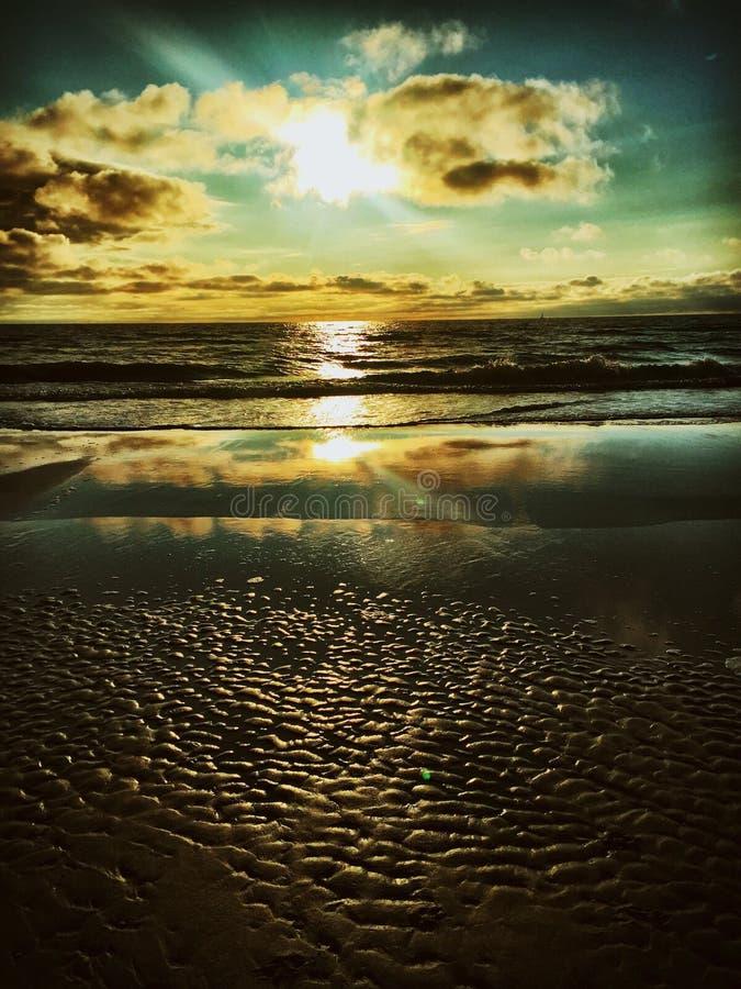 Sonnenuntergang bei Zandvoort stockfotos